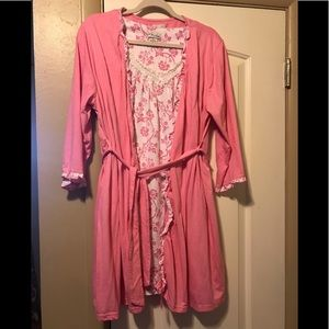 Pink & White 2 Pcs Gown & Robe Size XL
